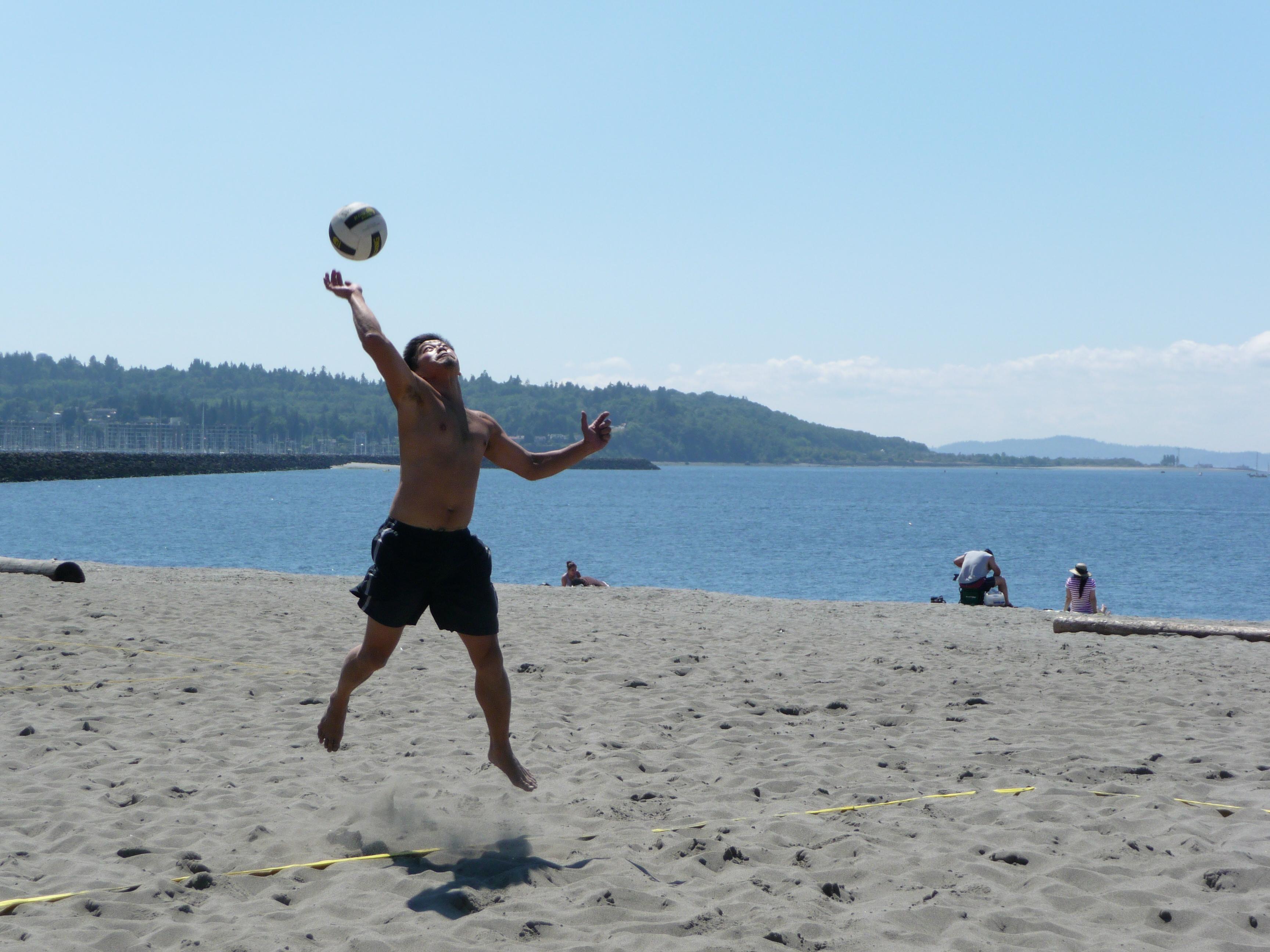 beach volleyball 399Family Beach Volleyball Fun